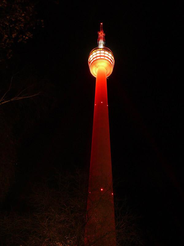 Der Fernsehturm wurde rot