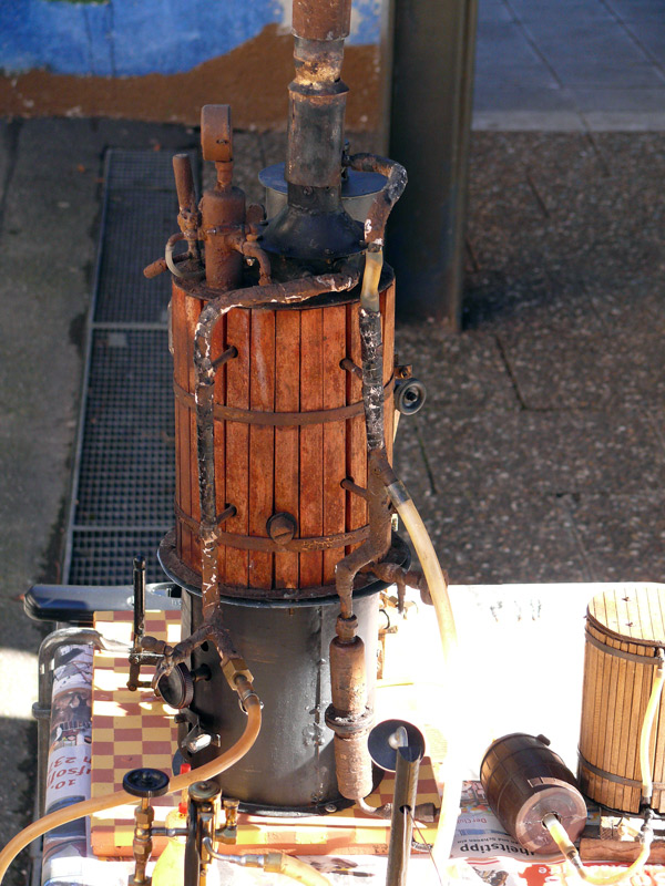 Selbstgebaute Dampfmaschine