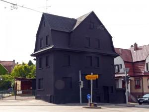 Schwarzes Haus in Möhringen