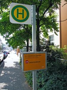 Busersatzverkehr Haltestellenschild Karl-Olga-Krankenhaus