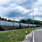 Tankzug im Ölhafen