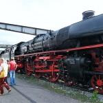 Lok 01 1066 mit dem historischen Bahnpostamt