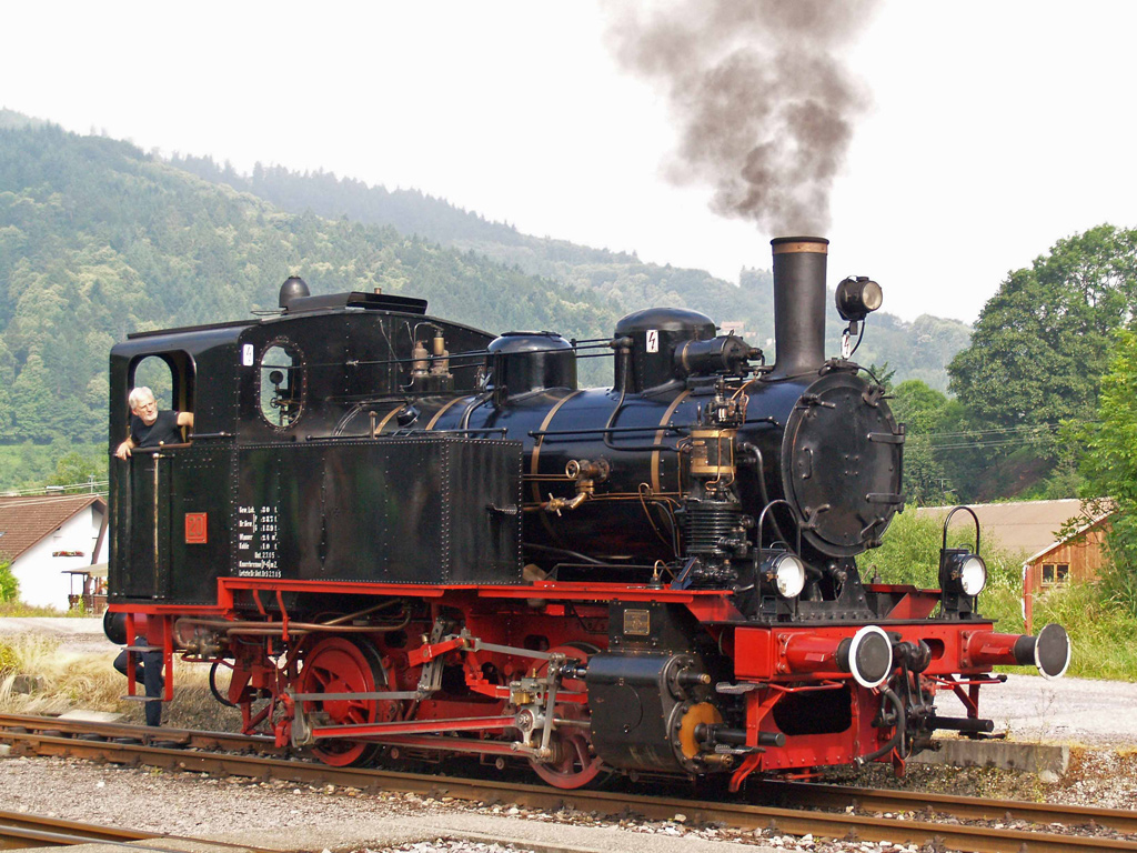 au musée de train à vapeur de la vallée d'Acher (Badois) - photo: suivez le lien