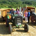 Neidlingen, Traktoren mit Spezialanhängern