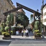 Eingang zum Weindorf am Alten Schloss