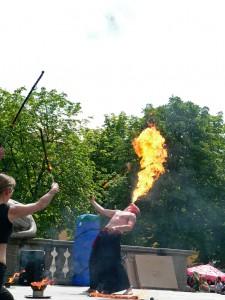 Feuershow am Karlsplatz