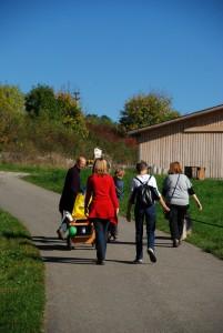Beginn der Wanderung mit Bollerwagen