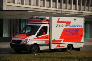 Rettungswagen-Feuerw