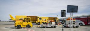 dhl-truck-pandas-600