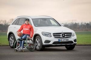Daimler-Mercedes-Benz-Fahrhilfen-ab-Werk-Mobile-Freiheit-mit-Stern