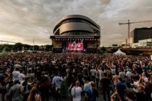 Curse-im-Vorprogramm-von-Savas--Sido-Mercedes-Benz-Konzertsommer-2018-mit-grossen-Musikern-und-einem-bunten-Familiensonntag
